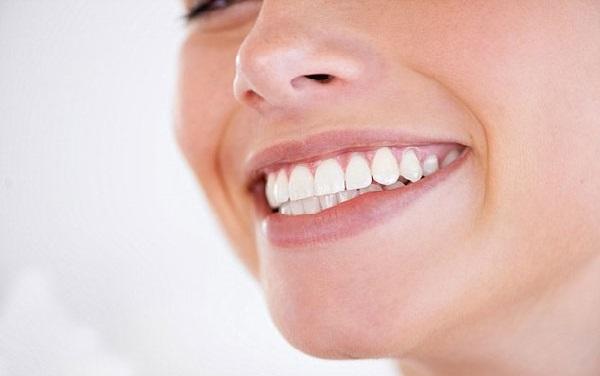 با رعایت نکات بهداشتی از سیاه شدن دندان ها پیشگیری کنید