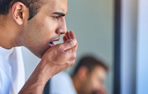 بوی بد دهان بعد از ایمپلنت دندان