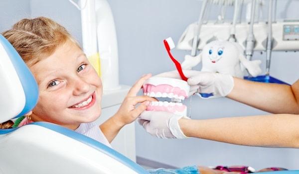 چکاپ دندان کودکان برای جلوگیری از آسیب های جدی ضروری است